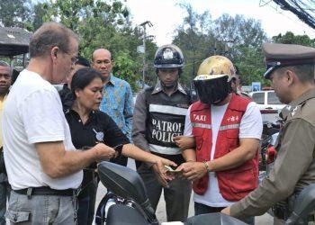 Phuket : un moto-taxi arrêté pour avoir volé un touriste australien