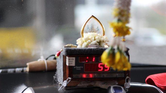 Exemple de compteur dans un taxi de Bangkok