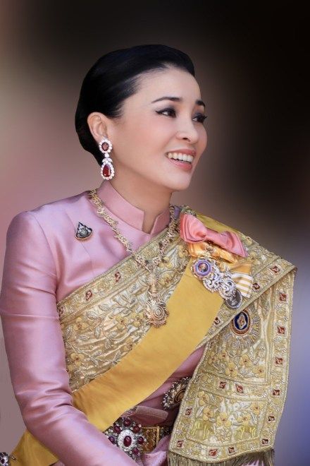 Thaïlande : des cérémonies et services gratuits pour célébrer l'anniversaire de la Reine