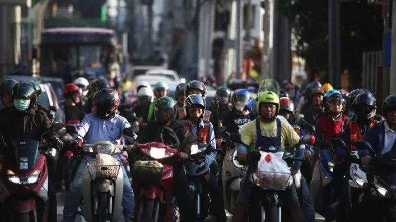 La Thaïlande introduit une taxe carbone pour les motos