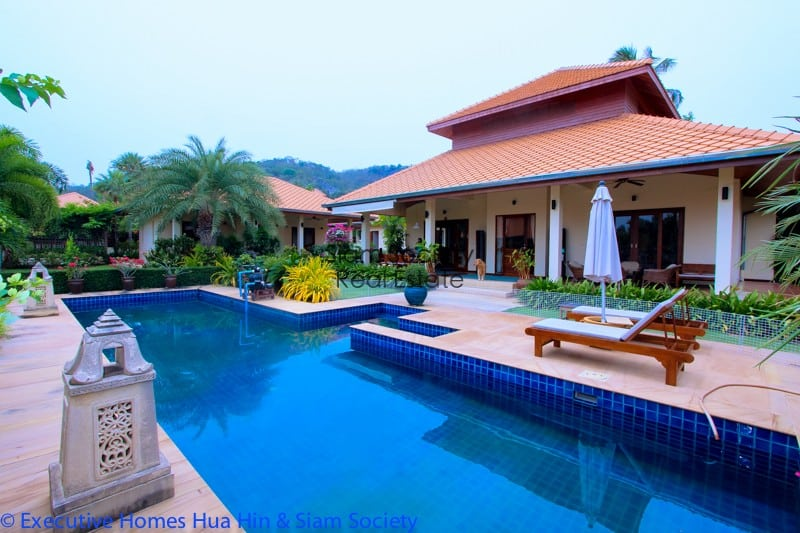 Centrally located Hua Hin Villa for sale