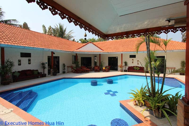 Large Home Near Beach For Sale