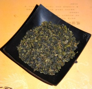 Doi Tung Ruan Zhi Oolong Nr. 17, rolled