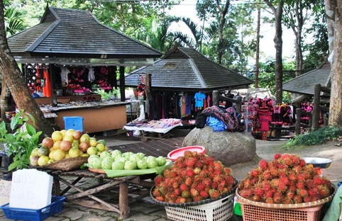 Doi Tung, Thailand, Hilltribe Bazar, agricultural products, handicrafts and souvenirs