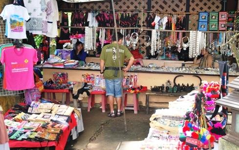 Doi Tung, North Thailand, Hilltribe Bazar: jewellery, handicrafts and souvenirs