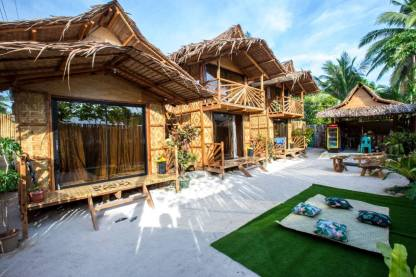 Kubo-Style Homestay in General Luna, Siargao