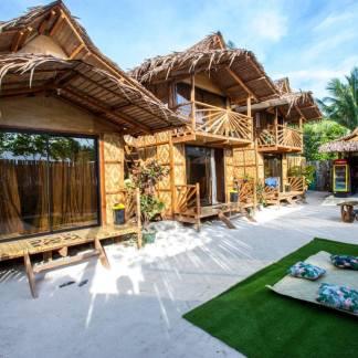 Kubo-Style Homestay in General Luna, Siargao