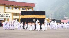 Murid Taman Kanak - Kanak se Kota Padang Panjang Peragaan Manasik Haji