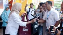 500 Botol Tumbler Dibagikan Secara Gratis saat Aksi Pilah Sampah di Pariaman