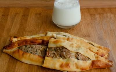 Pide (Kıymalı, Patatesli, Peynirli)