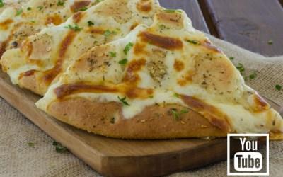 Sarımsaklı Kaşar Peynirli Pide