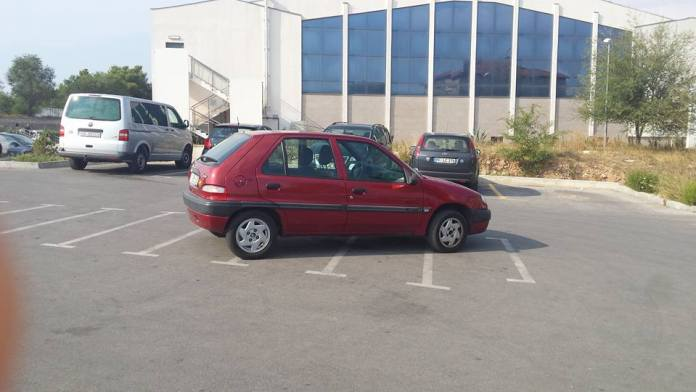 parking crnica