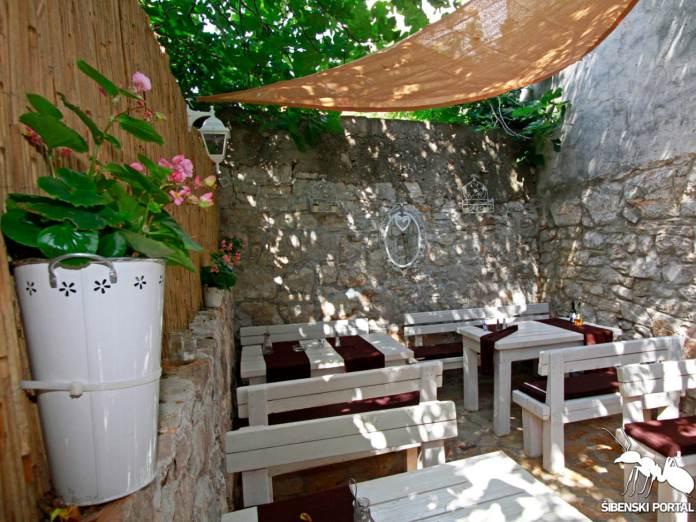 restoran karaka murter 1