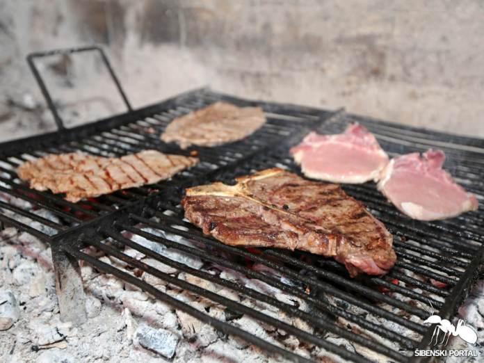 restoran krka skradinski most  meso gradele