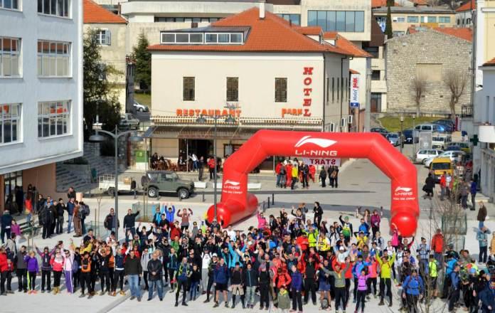 5. zajednička fotografija natjecatelja, organizatora i gradonačelnika grada Drniša
