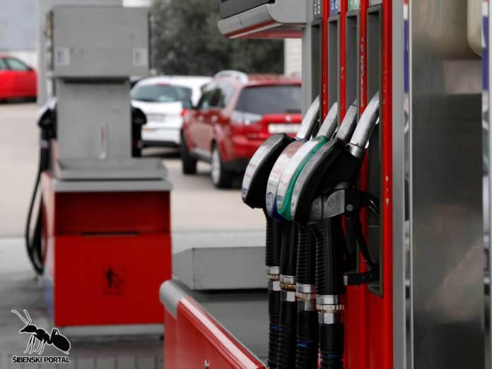 gorivo pumpa petrol 8 020216