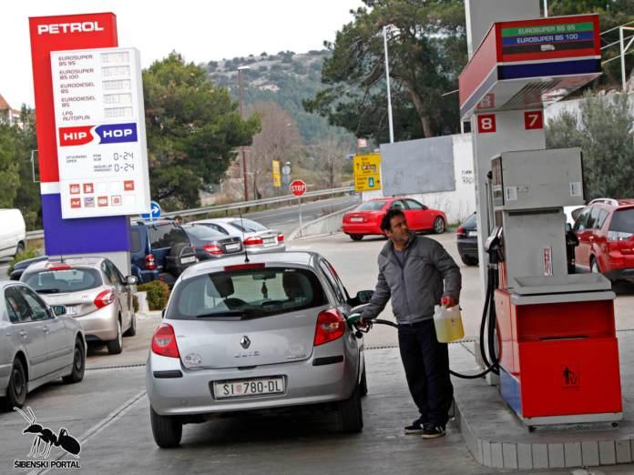 gorivo pumpa petrol 9 020216