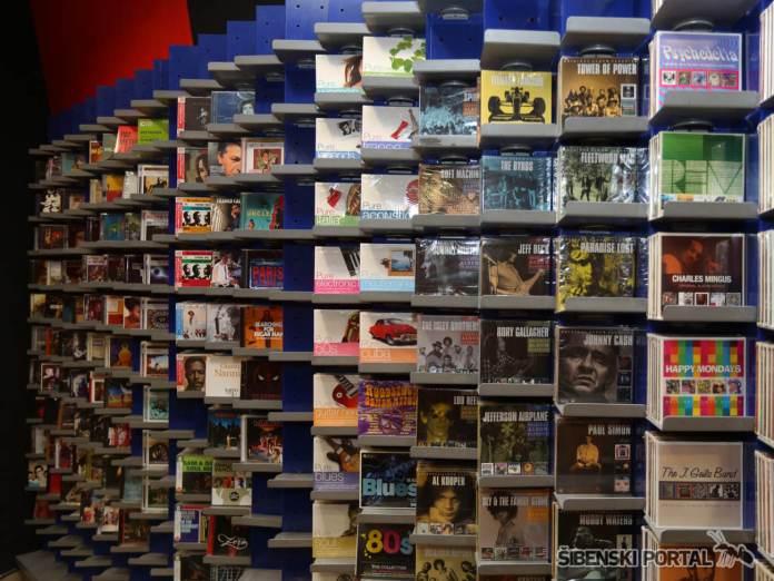 cd shop 230616 6
