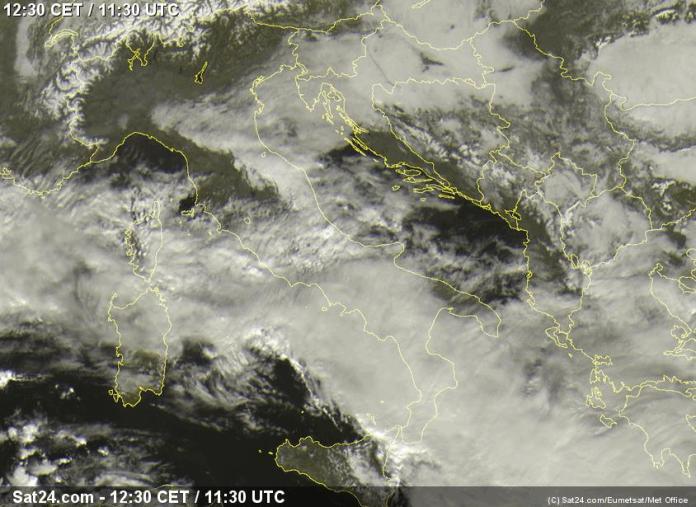 satelit oblaci