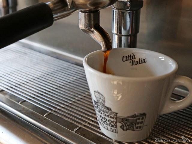 caffe bar sunx 280917 10