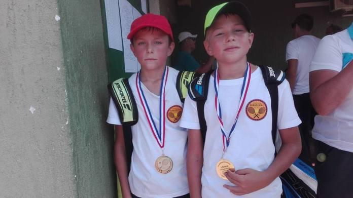 tenis 2