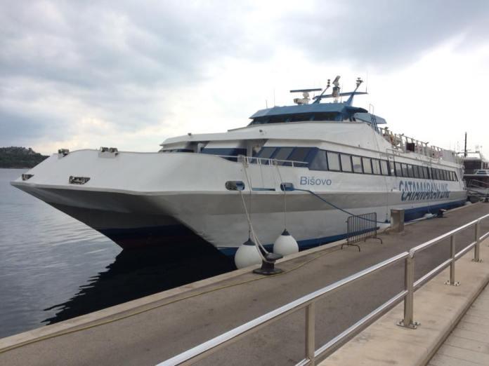 catamaranline4