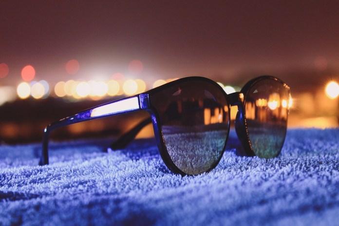 glasses-3807216_960_720
