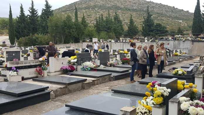 svi sveti groblja (11)