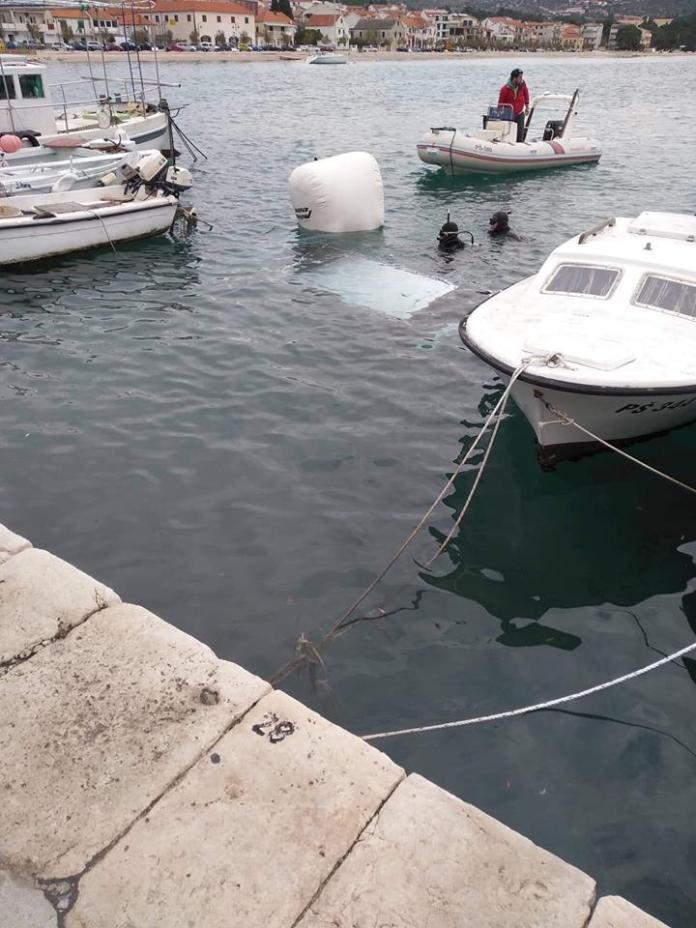 potopljen brod rogoznica