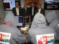 Cyber gym'in açılışında yetkililer kırmızı takım ile sohbet ediyor