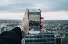 """Apple tazminat davalarından kurtulamıyor: Avrupa'dan 180 milyon euroluk """"telefon yavaşlatma"""" davası"""