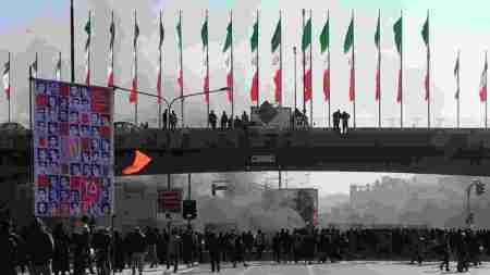 İranlılar internet yasaklarını şifreli mesajlaşma ile delecek