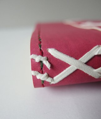 Headband tackets in the model book