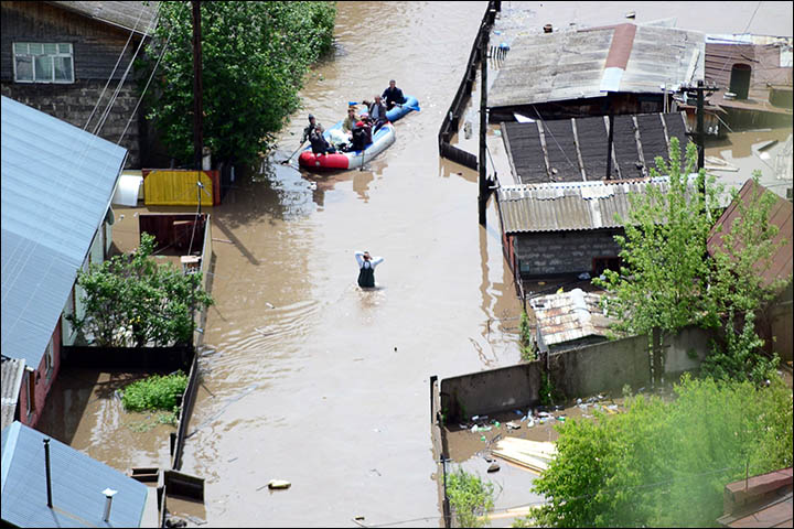 Dramatic floods hit Altai with fears of worse to come