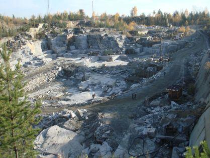 Описание четырех самых известных месторождений гранита в России.