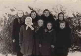 7.serija_Tomskas apgabals 1949.Novonikolajevka un Baturina_Gredzena Rita,1953.g. ar rutaino lakatinu Baturina