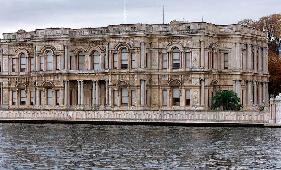 Дворец Бейлербейи