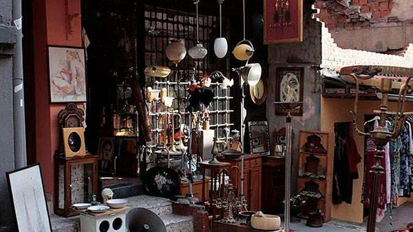 Антикварные магазины Чукурджума в Стамбуле