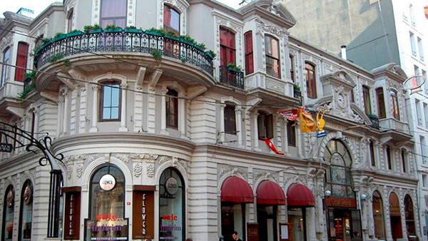 Цветочный Пассаж (Cicek Pasaji) в Стамбуле