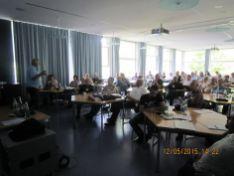 """J. Buschbacher bei der Präsentation von Windows 10 Fortbildungsveranstaltung für Senioren-Internet-Helfer im Haus auf der Alb"""" Bad Urach."""