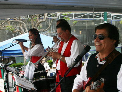 Roman Holiday Music's lively musicians present a wide variety of Sicilian and Italian tunes to please the crowd.