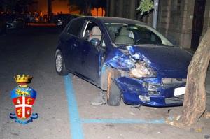 Una delle auto coinvolte nella carambola