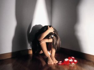 Violenza minori