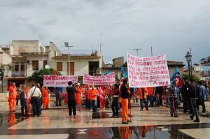 Una delle tante proteste dei lavoratori dell'ATO ME 2
