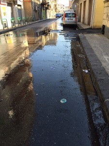Perdita d'acqua via Marco Polo Contesse 14-7-2015 a