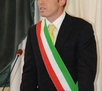 Il sindaco di Patti Mauro Aquino