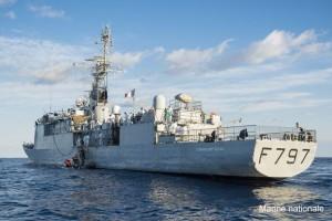 Le 11 septembre 2015, le PHM Commandant Bouan a, sous la coordination du centre de secours maritime (MRCC) de Malte, procŽdŽ au sauvetage de 140 migrants ˆ environ 140 kilomtres au sud-est des c™tes italiennes. La Marine Nationale contribue ˆ la lutte de lÕUnion EuropŽenne contre les flux migratoires clandestins en MŽditerranŽe : le patrouilleur de haute mer (PHM) COMMANDANT BOUAN est engagŽ depuis le 31 aožt 2015 dans l'opŽration TRITON coordonnŽe par l'agence FRONTEX. Le 6 septembre dernier, il a ainsi sauvŽ 327 naufragŽs ˆ environ 740 kilomtres des c™tes italiennes. Il patrouille dans un secteur sՎtendant du sud de Malte au sud de lÕItalie. Sa mission est de dŽtecter et d'identifier les navires ou embarcations suspectŽes de transporter des migrants et, le cas ŽchŽant, de porter assistance aux naufragŽs.