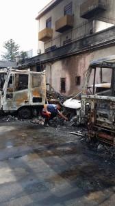 Mezzi incendiati a Venetico Marina 4-10-2015