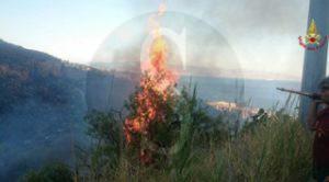 Roccalumera_Vigili_del_Fuoco_incendio