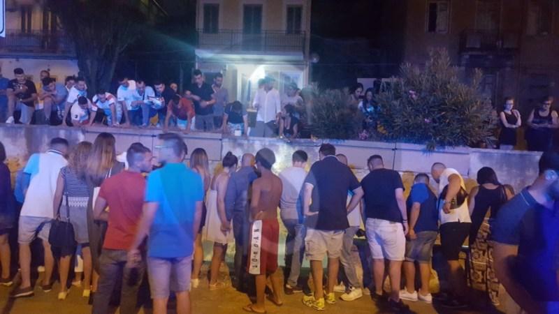 Cronaca. Si siede su un muretto e vola giù, tragedia in via Consolare Pompea a Messina